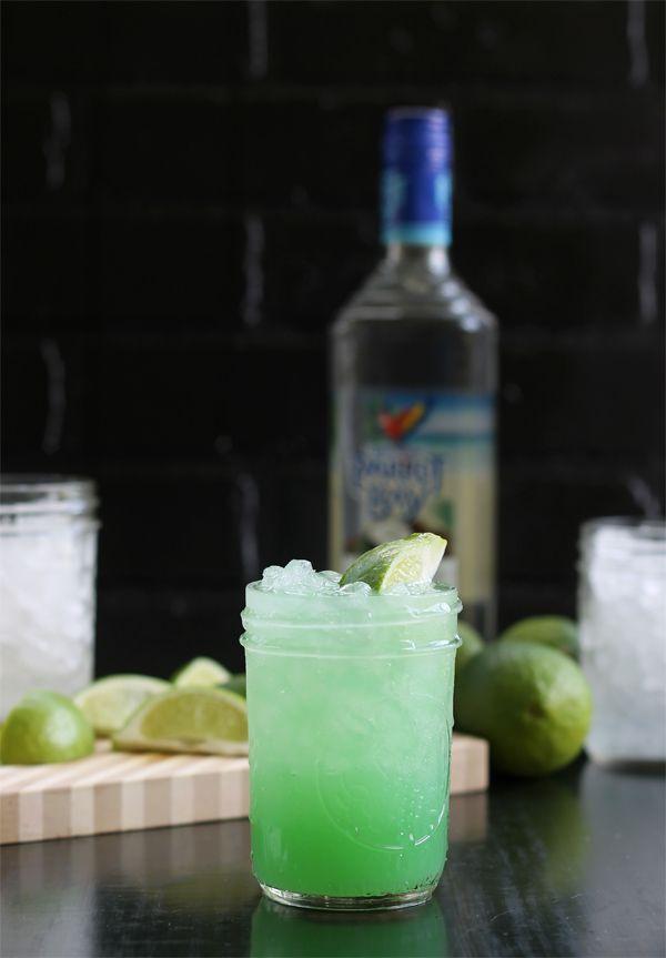 Rum And Pineapple Juice Drinks