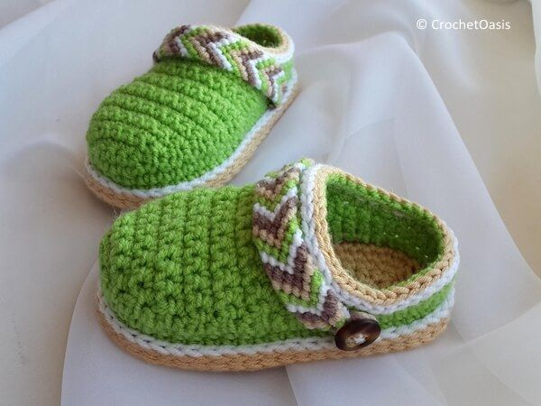 3de99b5ae Crochet Tribal Baby Clogs | crochet baby booties | Crochet baby ...