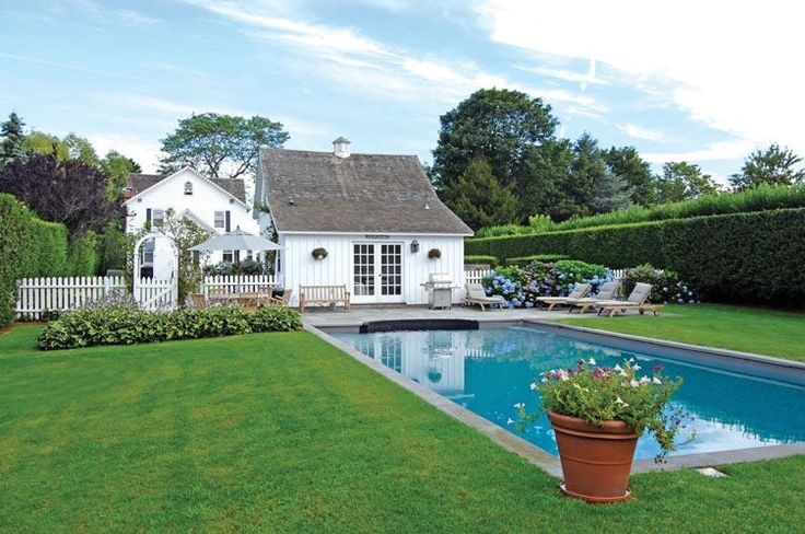 """""""Charming Traditional"""" Wainscott - Hamptons Real Estate 