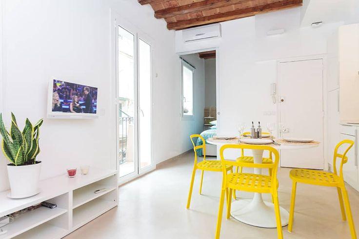STUDIO ALLA BARCELONETA: Sala da pranzo in stile in stile Moderno di MARIA JOSE ENERGICI P.