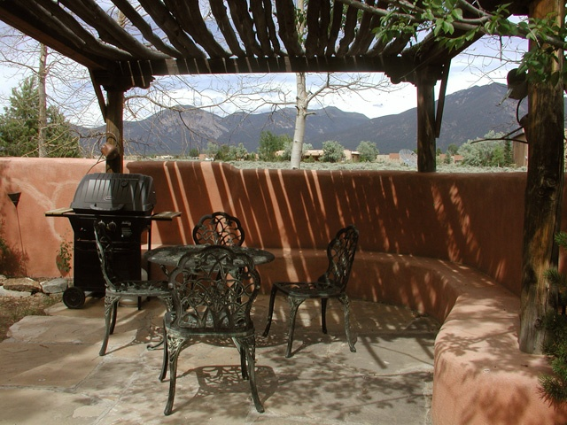 private enclosed yard, mountain views: Front Ideas, Enclosed Yard, Latilla Gazebo, Private Enclosed, Mexico Dreamin, Mountain Views, Santa Fe, Outdoor Kitchen