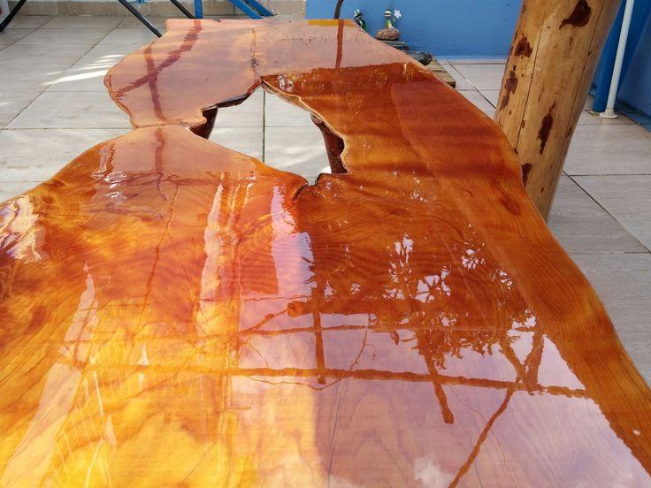 Sedir masif ahşap epoxy kaplı orta sehpa / Epoxy coated cedar coffee table