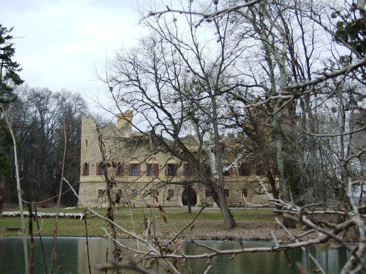Janohrad (distr.Břeclav- south Moravia) - romantic ruins