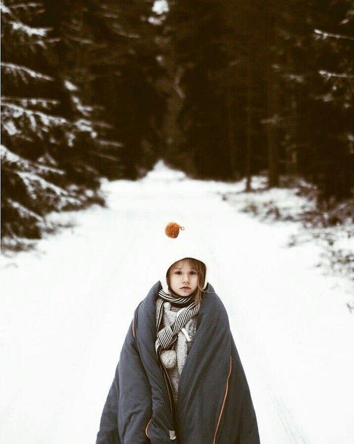 Winter time girl. Cozy and warm bedding linen for kids by NUKI