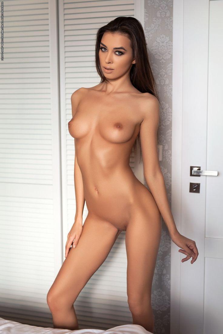 Порно интернационал с красоткой
