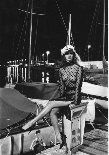 Photo: Helmut Newton, Saint Tropez, 1980. Dress: Sonia Rykiel.