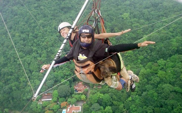 Oscar hang gliding