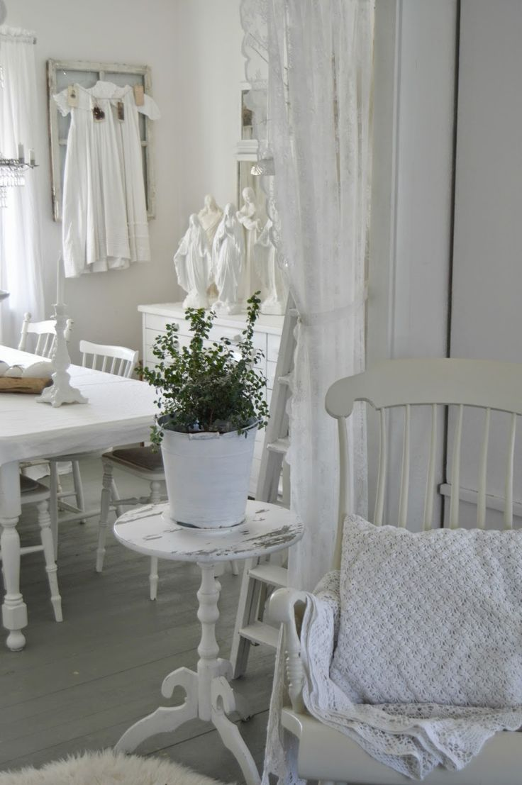 shabby chic white inredning som jag gillar pinterest shabby shabby chic decor and shabby. Black Bedroom Furniture Sets. Home Design Ideas