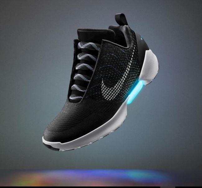 Nike HyperAdapt 1.0  Nike lança os primeiros Ténis que se apertam sozinhos - Corre Salta e Lança