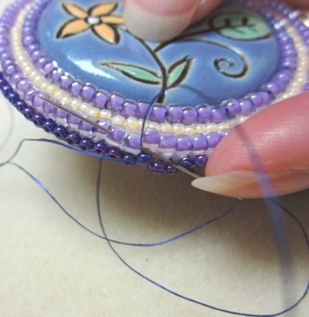 Beading the Edge of an Embroidered Bezel - Brick Stitch Technique : Artbeads.com