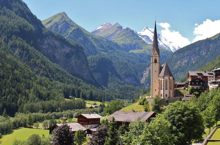 Самые красивые города Австрии     Австрия славится своими высокими горными вершинами, а также красивыми большими городами, как Зальцбург и Вена. Хотя большинство путешественников концентрирует свое внимание именно на этих больших городах с музеями мирового класса, оперными театрами и историческими достопримечательностями, также важно выделить время на посещение небольших австрийских городков. Именно там вы найдете истинно сердце и душу Австрии.