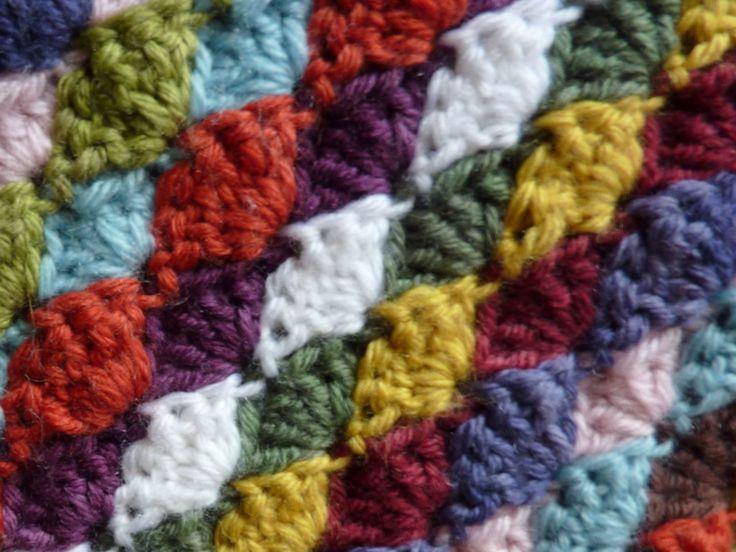 """My Rose Valley: How to make the shell stitch""  crochet shells stitch - looks like diamonds?"
