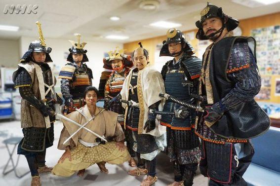 常慶さん、まさかのピンチ!大ピンチ!!!(笑)🔥🔥 #NHK #大河ドラマ #おんな城主直虎 #直虎オフショット  #鎧でパシャリ