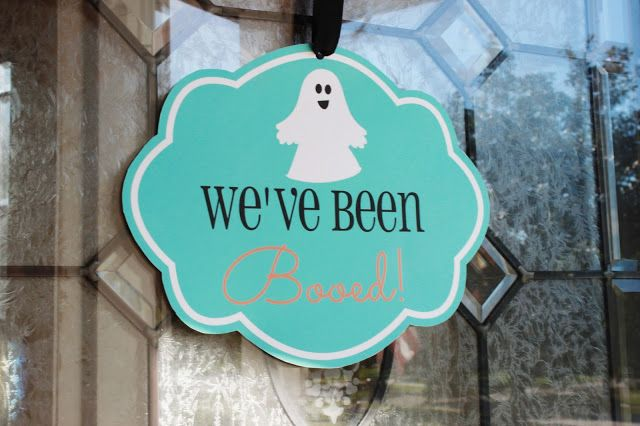 """We've been """"Boo""""ed! FREE Printables and a fun idea to give your neighbors and friends Halloween treats!"""