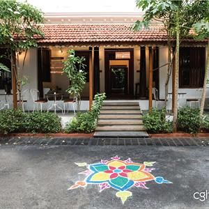 A beautiful kolam design in front of ‪a heritage hotel in Pondicherry. Kolam art is a traditional Tamil Nadu custom for good luck.