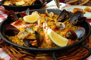 Paella tradicional with mussels, prawns and squid from Los Manueles in Granada