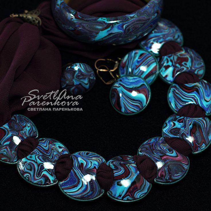 Светлана Паренькова Svetlana Parenkova http://www.livemaster.ru/parenkova   #украшение  #jewelery #полимернаяглина #fimo  #polymerclay #колье #дизайн #мода #марсала #синий