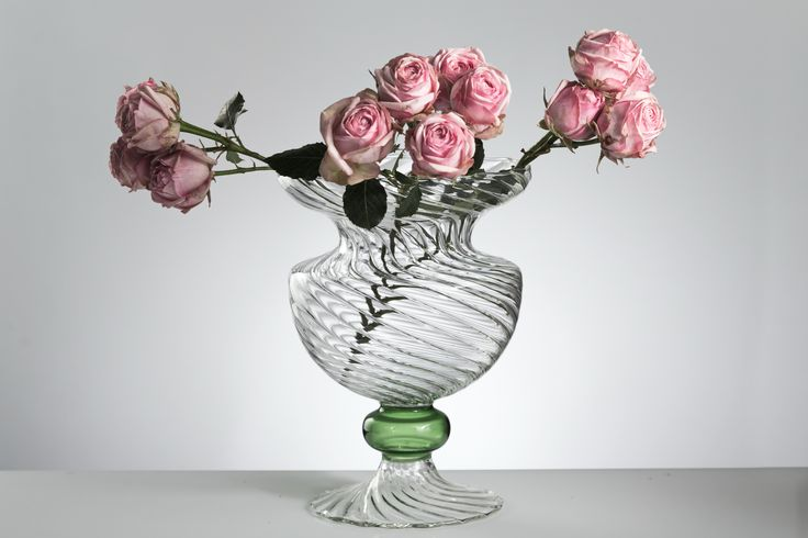 CRESIA Vase - handmade glassware >> shop on www.gabrielaseres.com