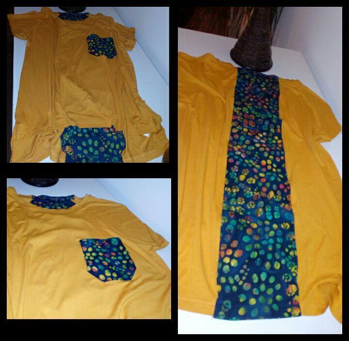 T-shirt com bolso e tira em tecido atrás