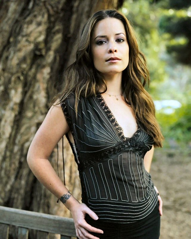 Gorgeous long waves, Holly Marie Combs