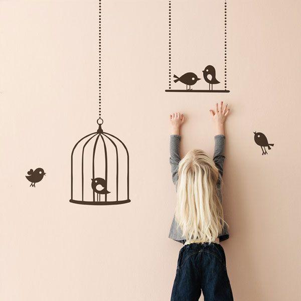 Ferm Living Tweeting Birds bruin #muursticker.