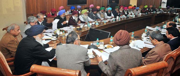 Punjab Chief Minister S. Parkash Singh Badal presiding over a high level meeting. #Shiromaniakalidal #Parkashsinghbadal #Farmers #Punjab #Bhawan