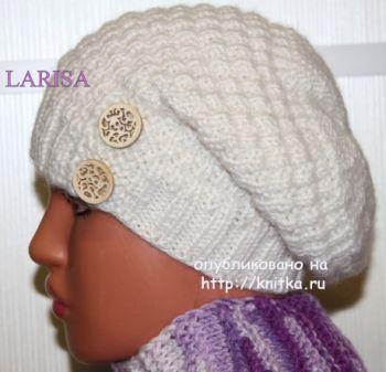 Женская шапка – работа Ларисы Величко. Вязание спицами.