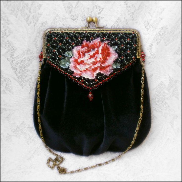 Сумочка Королевская роза | biser.info - всё о бисере и бисерном творчестве