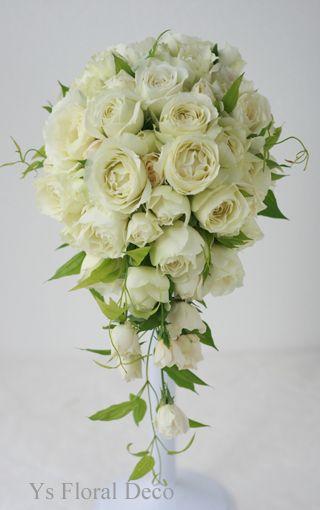 カップ咲きのバラキャスケード   @帝国ホテル   ys floral deco