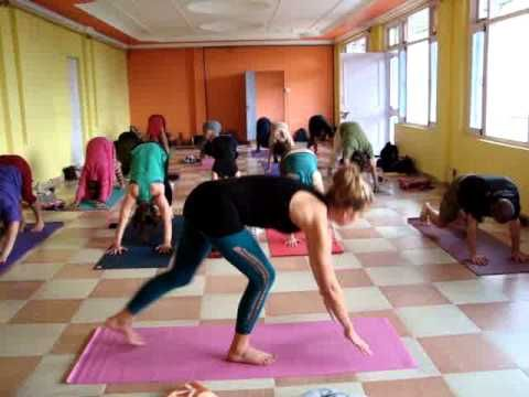 [Video] Vinyasa Flow Yoga During 500 Hours Yoga TTC #Dharamshala #India #YogaSchool