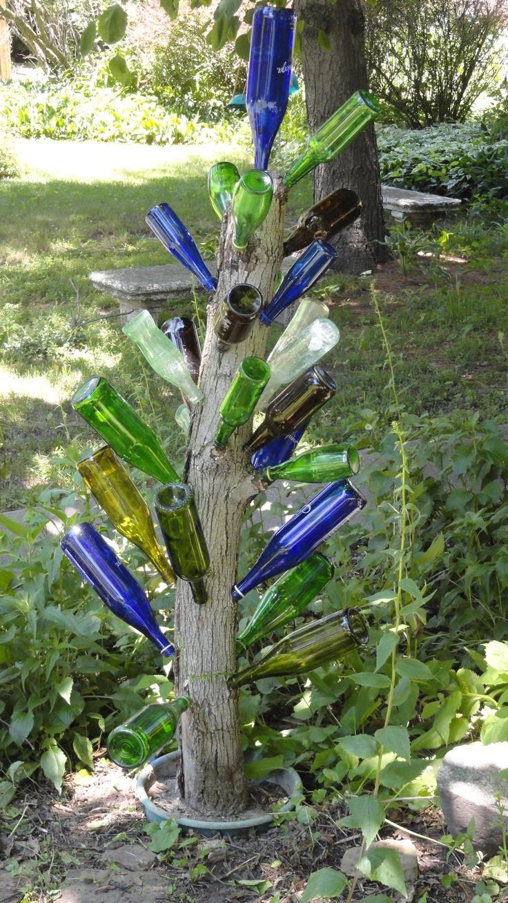 118 best bottle trees ♡ images on Pinterest | Wine bottle trees ...