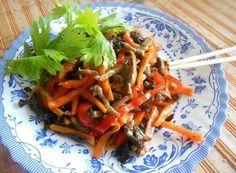 Салат из говядины и овощей Niu Rou Si по-китайски