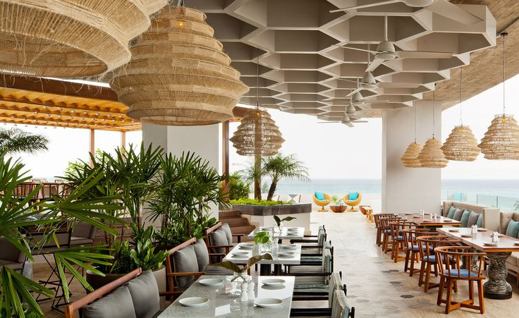 With Mexico being one of the most hotly contested travel destinations in recent years, it should come as no surprise that Thompson Hotels has imported its brand of style and sophistication to the country's azure shores. The group's latest property,...