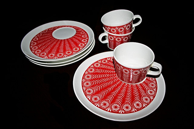 Plates and cups designed by Arabia
