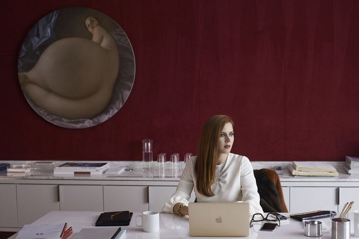 Nocturnal Animals is a gripping tale with starkly contrasting locations & sets. Production Design by Shane Valentino & Set Decoration by Meg Everist.