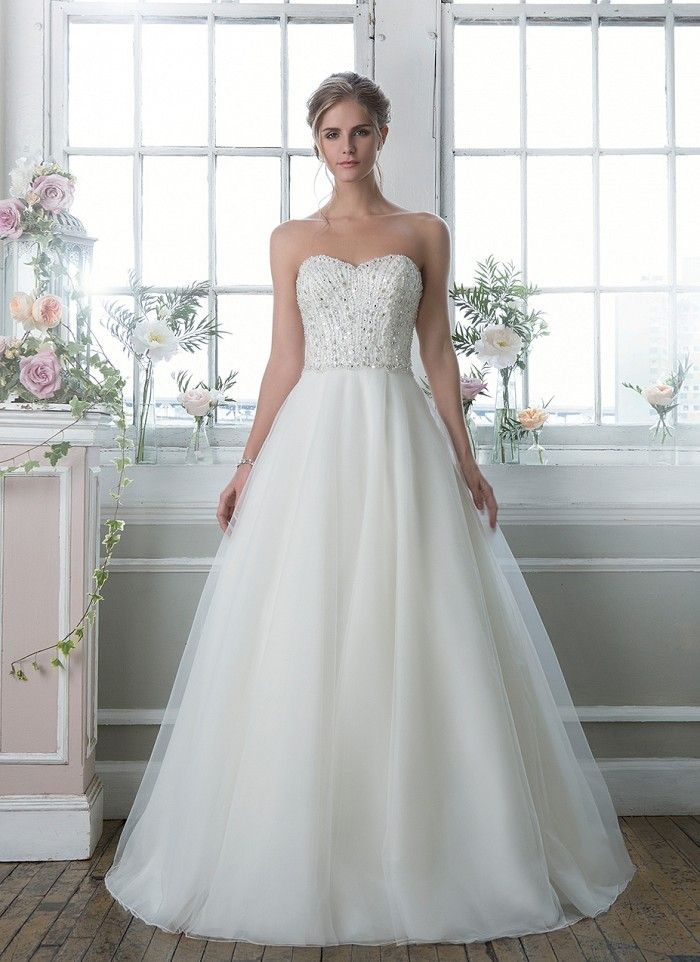 Lillian West 6381 - https://blog.oncewedding.com/2015/12/23/lillian-west-6381/