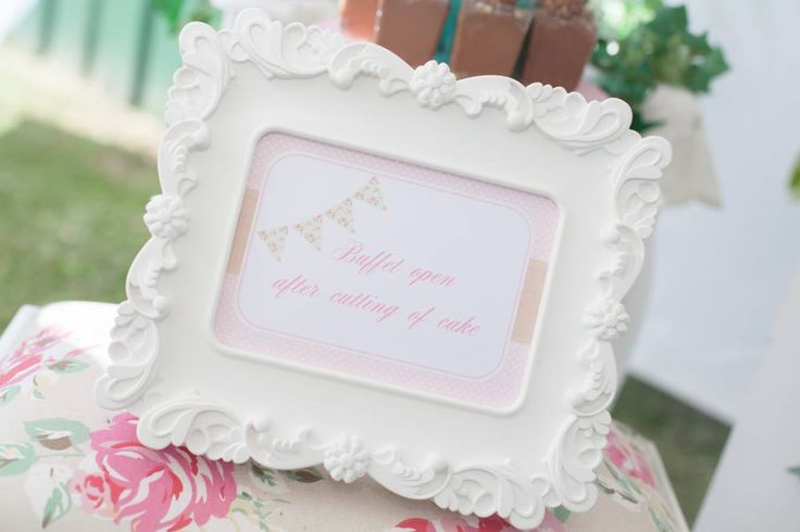 VINTAGE GARDEN THEMED BIRTHDAY #girlsbirthday #gardenparty #garden-floral-desserttable #partythemes #partyideas #kidsparties #festas #oipfeature #rainbowsandlollipops #ohitsperfect #events #partydecor #partyinspiration #partywebsiteaustralia #partyblogaustralia #cake #partyfood #desserts #amazingdesserts #pink