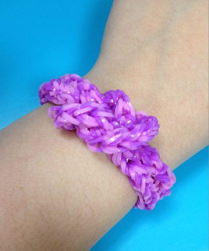 A knot bracelet from #bandaloom!