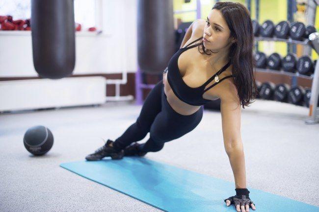 Pancia piatta: gli esercizi per gli addominali obliqui