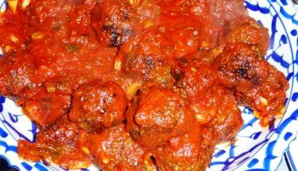 Tapas: Spaanse Gehaktballetjes (Albigondas) In Pikante Saus recept | Smulweb.nl