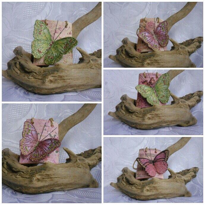 Tegoline di terracotta decorate con trasferimento d'immagine e farfalle :-)