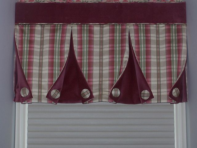 Box pleat button-back valance | Flickr - Photo Sharing!