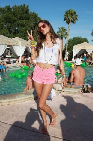 Celebrity Style from 2013 Coachella Valley Music and Arts Festival - Check out the outfits that celebs rocked at the 2013 Coachella Music Festival and see who made the most fashionable choices!