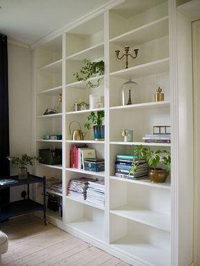Skattkistan - En platsbyggd bokhylla växer fram.