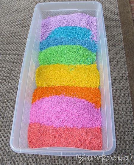 Riz+colorant+ alcool... Pour remplacer le sable.