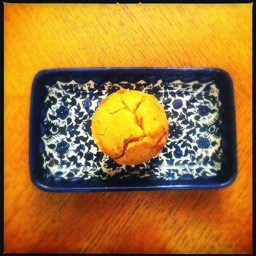 Αλμυρό κέικ για τολμηρούς, με λουκάνικα και βερίκοκα