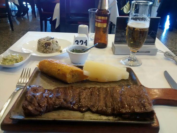 Exquisito Lomo de Entraña del restaurante Mi Gran Parrilla Boyacense.