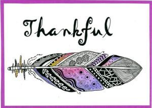 Feather zentangle art card. Zana's Cards measure 7.2″ x 5.2″, or 18cm x 13cm.They also include an envelope for you to use to send your cards. #featherzentangle #thankfulness #pinkzentangle #zentanglecard #zentangleart #zanascards www.zanascards.com