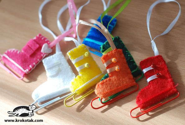 Cute Ice Skates made from felt and paper clips- Sheron made these for us when we were little kids.....