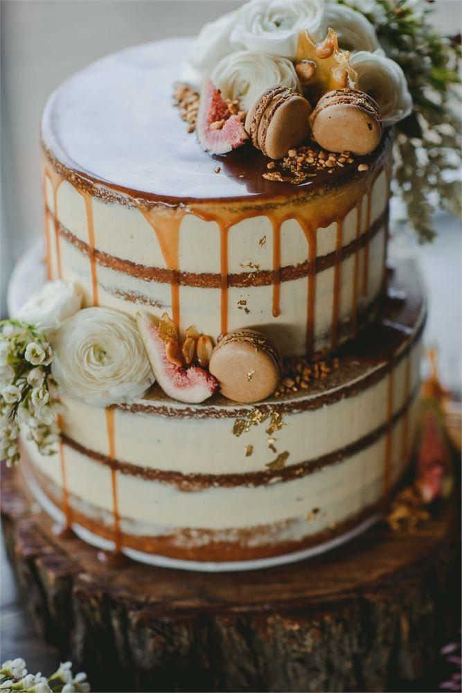 a96138f12ec Rustic style wedding drip wedding cake idea with French macarons ...